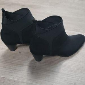 Stuart Weitzman Waterproof Ankle boots 7